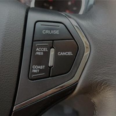 کروز کنترل با دکمه های روی فرمان